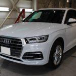 ガラスコーティング 名古屋市天白区より Audi Q5 入庫です。
