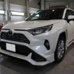 ガラスコーティング 愛知県日進市より トヨタ  RAV4  新車 入庫です。