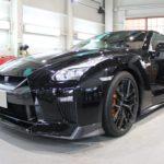 ガラスコーティング 名古屋市南区より GT-R R35 新車入庫です。