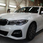 ガラスコーティング 名古屋市名東区より BMW  320dツーリング  新車 入庫です。