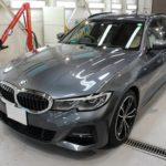 ガラスコーティング 名古屋市名東区より BMW 320d ツーリング 新車 入庫です。
