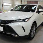 ガラスコーティング 名古屋市天白区より トヨタ ハリアー 新車 入庫です。