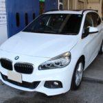 ガラスコーティング 名古屋市名東区より BMW 218dアクティブツアラー 新車入庫です。