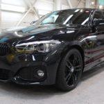 ガラスコーティング 名古屋市中村区より BMW 118d 新車入庫です。